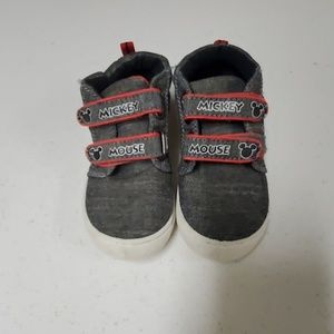Disney Mickey mouse size 9 toddler boy sneakers